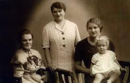 Alt Oma von Bleil, Omi, Mutti, und Gundi