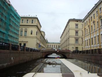 Kanalresa med båt