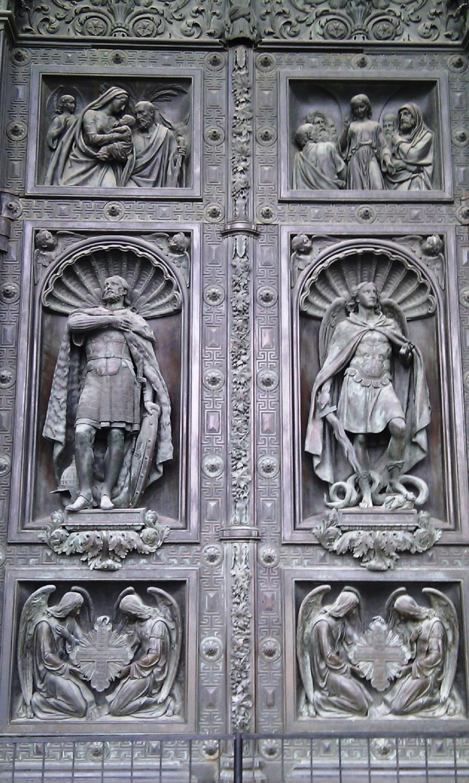 Porten till Isak-katedralen