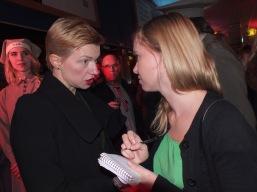 Cecilia Fröde gör en intervju