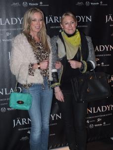 Linda Isacsson med väninna