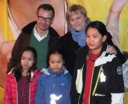 Ulf Kristersson och Birgitta Ed med barnen Signe, Ellen och Siri