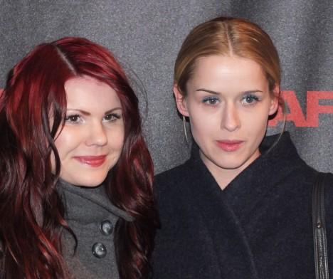 Lisa Henni med vän