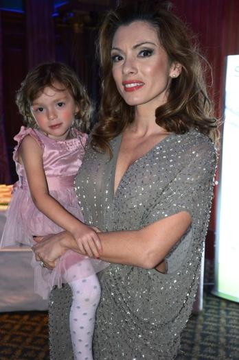 Alexandra Pascalidou med dotter