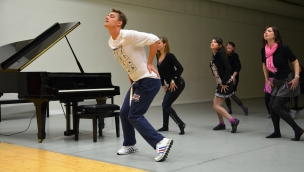 Aleksej Vorobjov (Alex Sparrow) teaching dancing