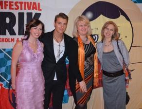 Aleksej Vorobjov (Alex Sparrow) with women company