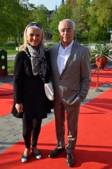 Grete Qviberg med man