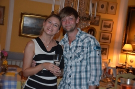 Nicole Schulman med sin bror