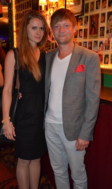 David Schulman med flickvän
