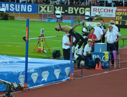 Anna Chicherova warmup jump