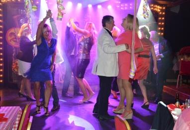Dansen i full gång...