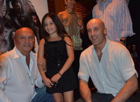 Lea Stojanov med skådespelare