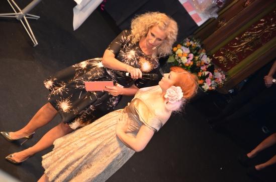 intervjuv på scen med Elsa Billgren