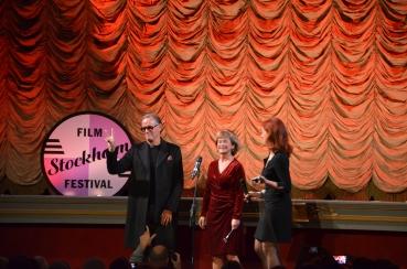 Peter Fonda på scen med kulturminister samt festivalchef