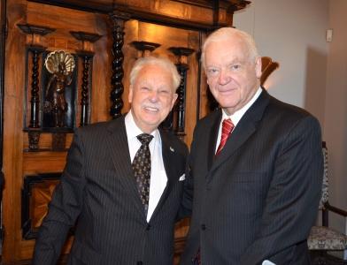 Jubilaren gratuleras av Österrikiske Karl-Otto Freiherr von Lempruch.