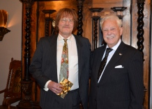 Tekn. Dr. Professorn vid Uppsala Universitet Lars Engman kom med fin gratulationspresent.