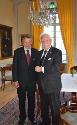 Jubilaren och Norske Slottspianisten Karl-Otto Hagen-Olsen.