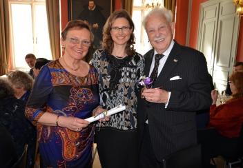 Härlig uppvaktning av slovakiska Marcella och Anna-Katarina Schatzl.