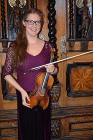 Konsertmästaren och violinisten Susanne Francett.