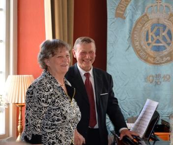 Dubbelpianisterna Anna Strååt och Karl-Otto Hagen-Olsen spelade på flygeln härliga stycken för 4-händer.