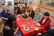 Här är det ett glatt sällskap. Andra Winroth, Siv Wennberg, Erik Alexander Carlenstolpe, Eva Sääf Wallentin, Lars Engman och Birgitta Carlsson.