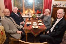 Kulturprat på högsta nivå. Dr. Risto Pahkajärvi, operasångaren Sonny Wallentin, dramatenskådespelerskan Margaretha Byström och operasångaren Sven-Olov Persson.