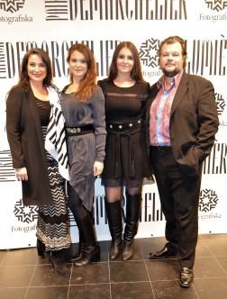 Katja och Patrik Sahlén med familj