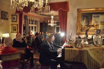 3:e Advent på Villa Solborg. Quatre main med pianisterna Annouchka Mukherjee och Karl-Otto Hagen-Olsen.
