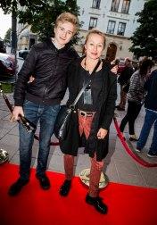 Louise Hoffsten med son