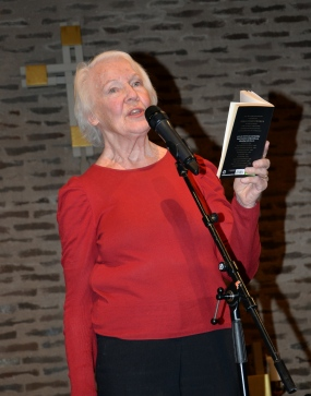 """Underbara dramatenskådespelerskan Margaretha Byström läste Tomas Tranströmmer """"Ansikte mot ansikte""""."""