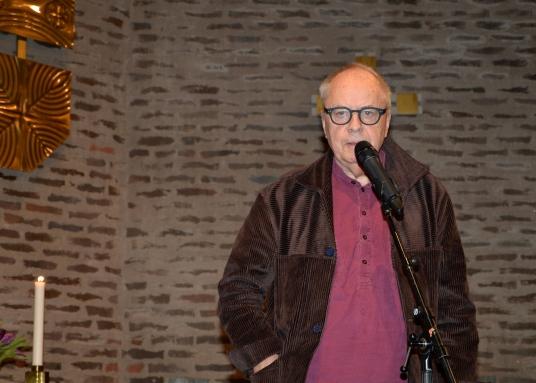 """Stig Dagerman specialisten Skådespelaren Helge Skoog läser """"Nu slår en blomma ut"""" och """"Människan som älskar""""."""